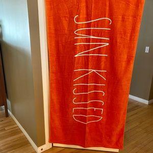 Rae Dunn Orange Beach Towel Sun Kissed 🌞💋